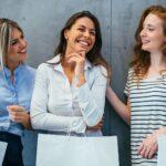 trzy kobiety na zakupach