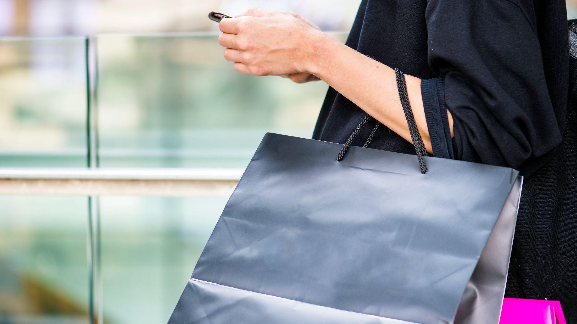 torebka z zakupami